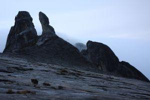 1_2880px-Mount_Kinabalu_View_(7113338961)